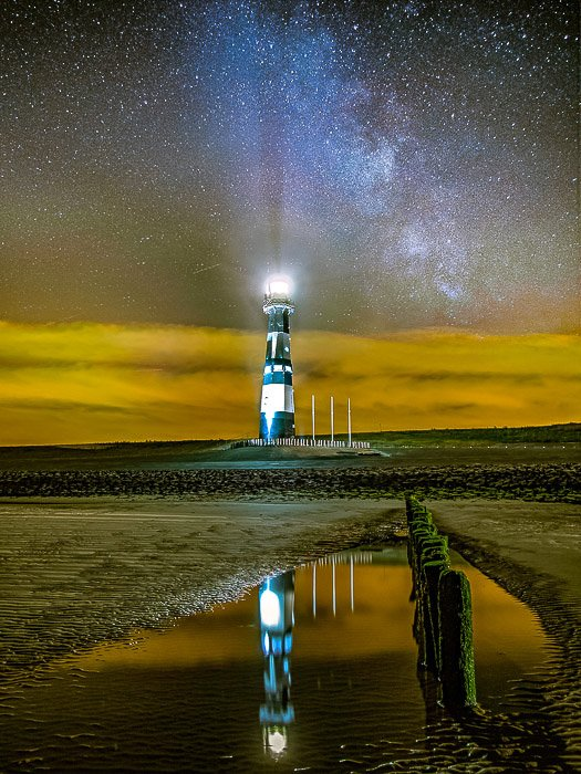 A night shot of the lighthouse in Breskens (The Netherland)