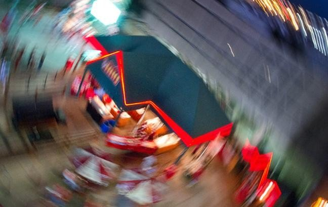 photography projects: motion blur around building from above