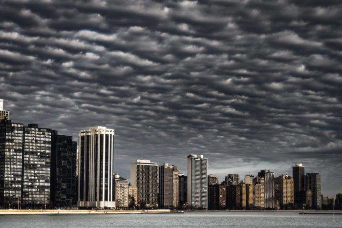 Dramatic Weather: Mackerel sky over Chicago