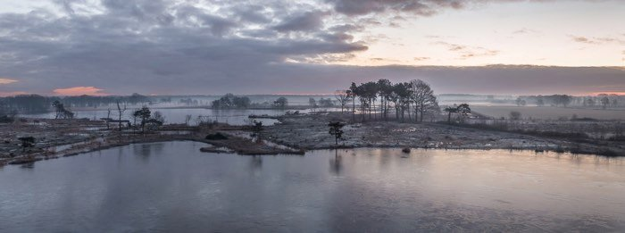 Tripods for Landscape Photography: Panorama of Belgian lake made possible by tripod with panoramic head