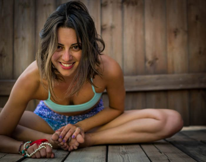 Yoga photography picture showing how to focus on model in your shots