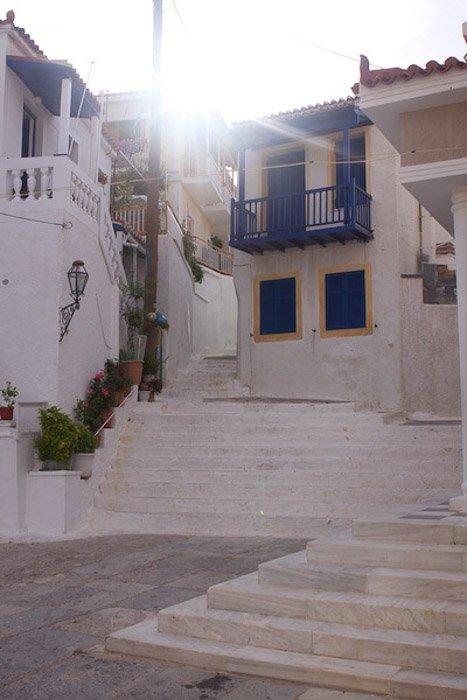 Mediterranean Buildings shot using Evaluative Metering Mode