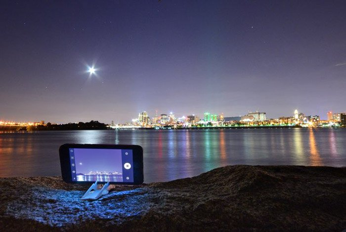 A tripod will keep your mobile perfectly still for those long exposures in your smartphone photography shots
