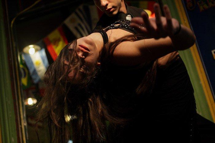 Portrait of a couple dancing by Karla Gachet.