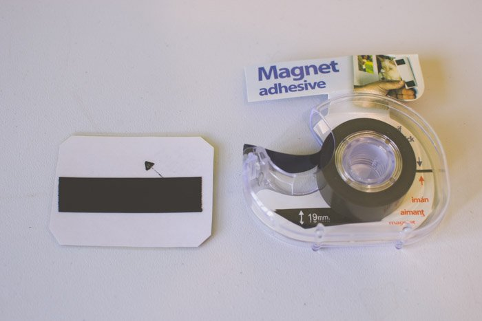 You can turn your photo into a magnet with a piece of adhesive magnet tape. Creative photography ideas.