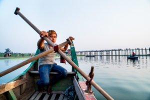 10 Tips for Better Environmental Portraits Burmese Boat Man