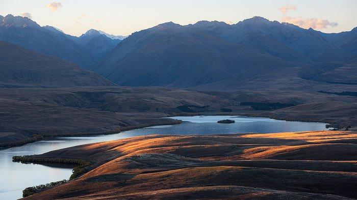 serene mountainous landscape photography