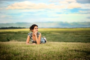 What Is an Editorial Portrait: 10 Photography Tips Attractive Young Woman Outdoors