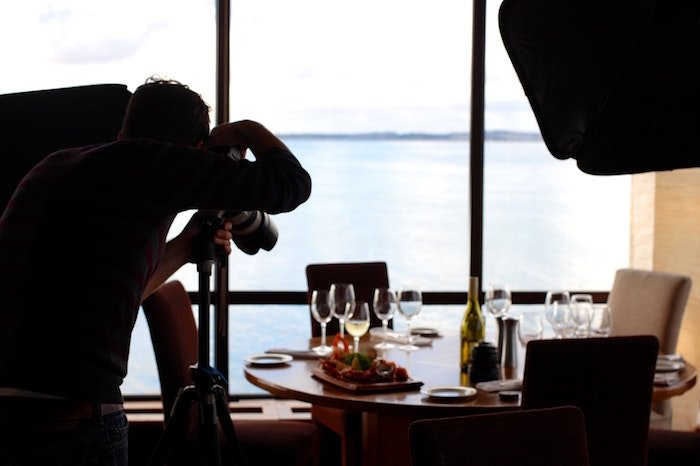 Behind the scenes of a product photography shoot - food photography tips