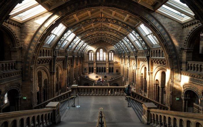 A photo of the interior of an awe-inspiring church