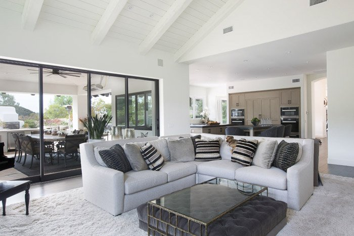 Bright and airy photo of an interior of a living room