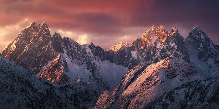 A rocky mountain range in the Lofoten.
