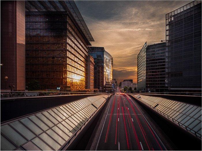 Light trails at dusk in Brussels. Sony RX10.