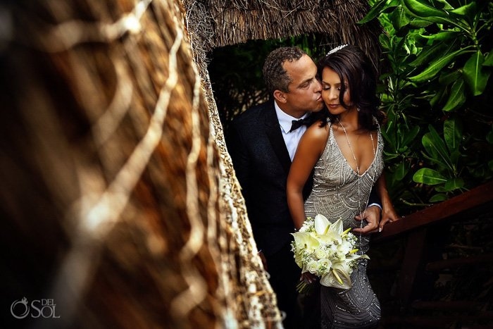 A beautiful portrait of newlyweds by Del Sol Photography wedding blogs