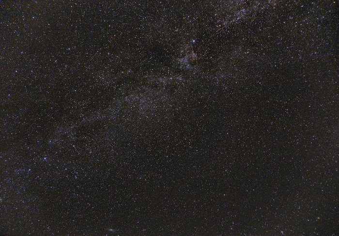 The Milky way at the Zenith. Camera sensor size for astrophotography