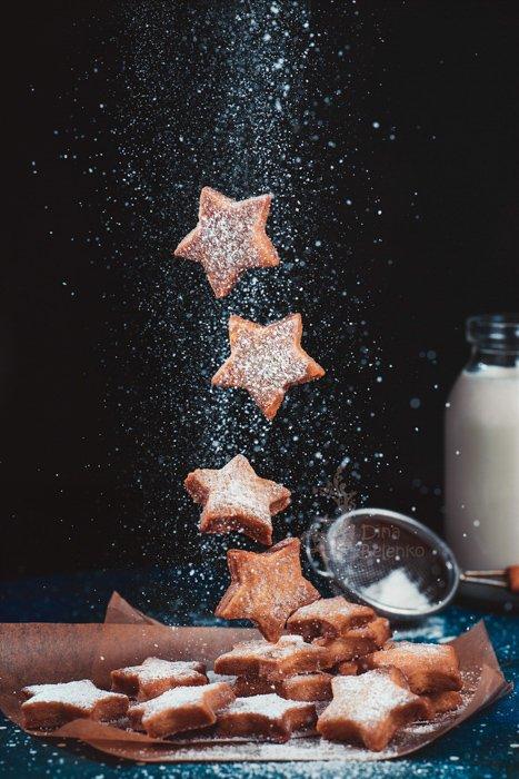 Levitating Christmas cookies photo