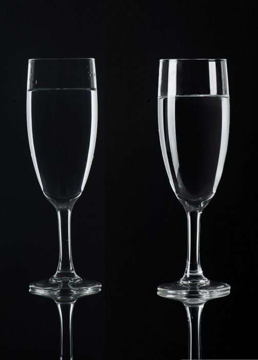 Shooting wine glass photography against black background