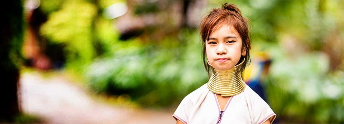 A dynamic panoramas portrait of a Thai girl using the Brenizer Method