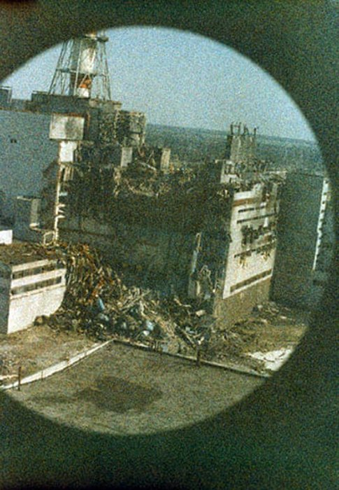 First Image of the Reactor in Chernobyl - famous pictures by Igor Kostin