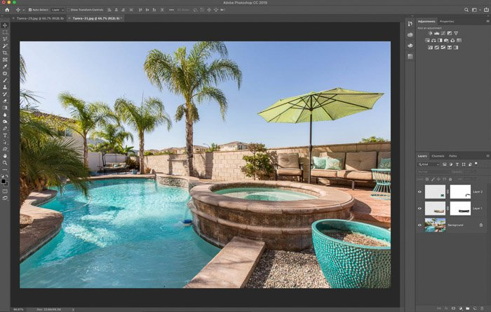 A screenshot showing how to use the Photoshop warp tool for real estate photography