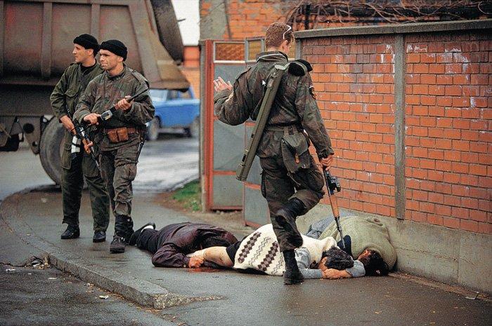 Bosnia - Ron Haviv (1992)