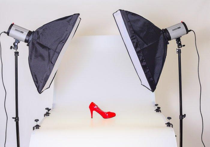A product photography shoot lighting setup
