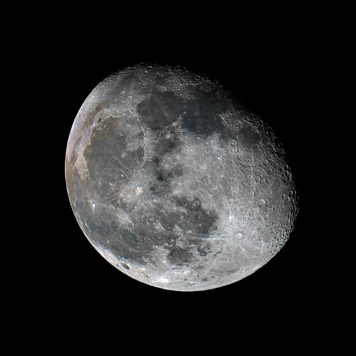 A stunning close up photo of the moon - astrophotography tips