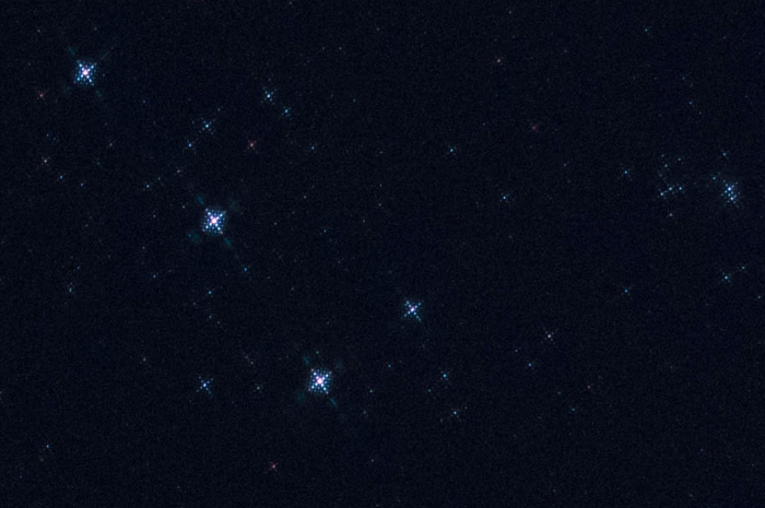 Strong and sharp diffraction patterns from a kitchen sieve placed in front the lens - meteor shower photography tips