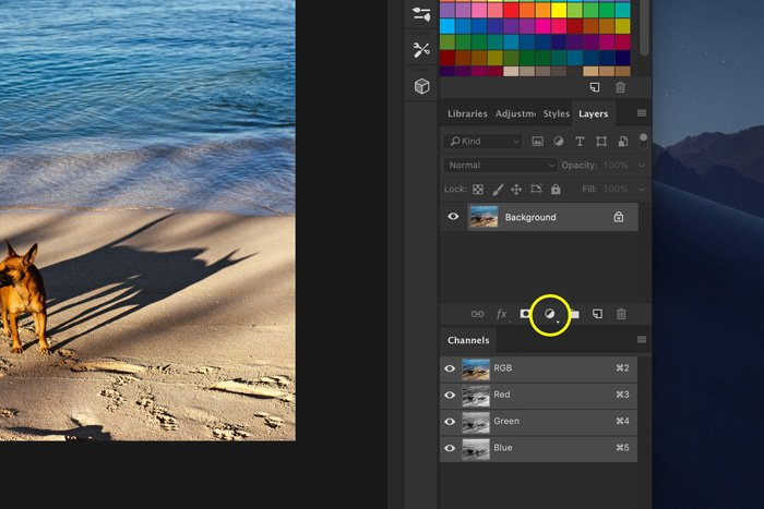 A screenshot of how to add light leaks to a photo in Photoshop