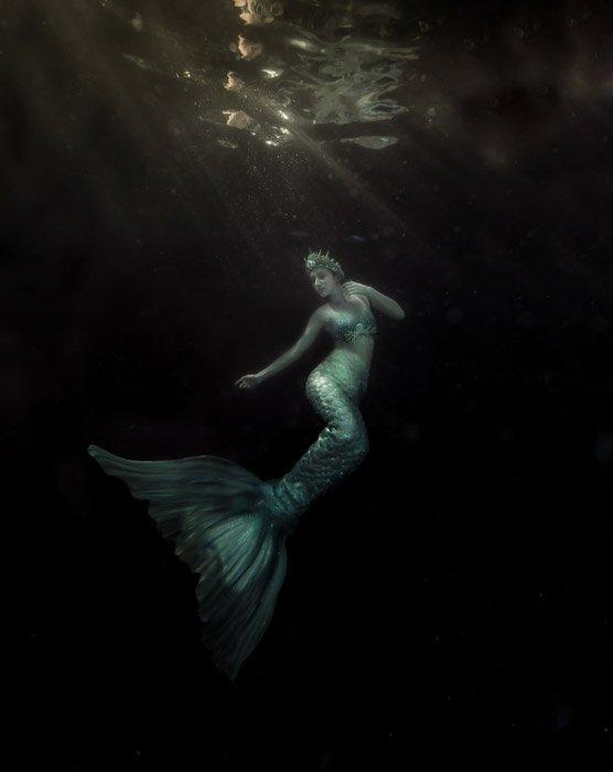 A dark and atmospheric underwater mermaid photoshoot - mermaid fantasy
