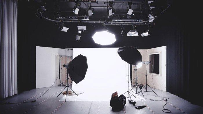 A photography studio lighting setup - lighting modifiers