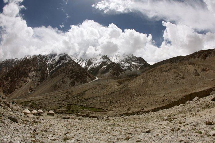 A stunning mountainous landscape - beginner adventure photography tips