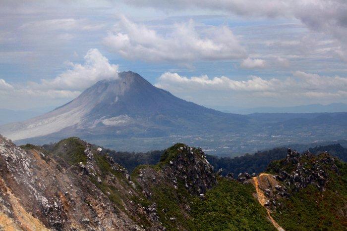 Stunning landscape shot of a volcano