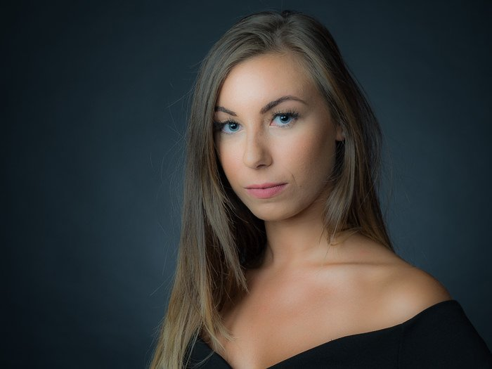 A portrait of a female model - Lightroom texture slider