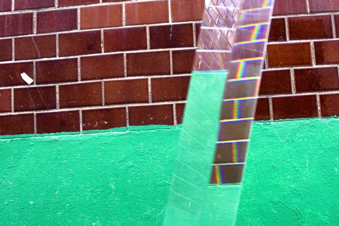 Artistic photo, a prism is used, and the refraction effect can be seen.