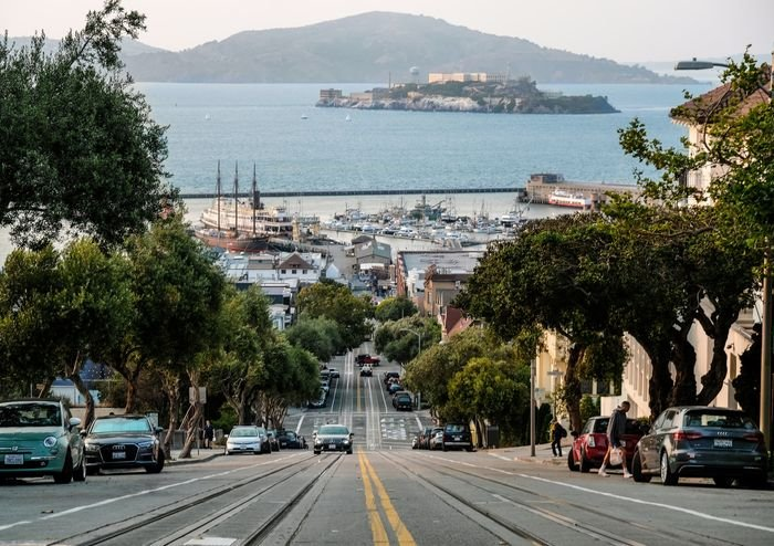 Photo of San Francisco with Alcatraz in the background