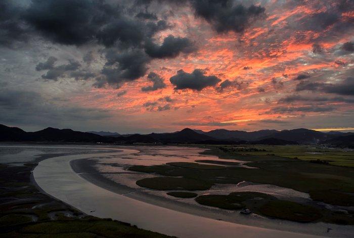Landscape photo at sunset with digital blending filter effect