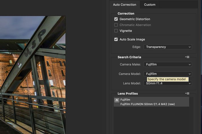 Screenshot of choosing camera and lens model in Photoshop lens correction