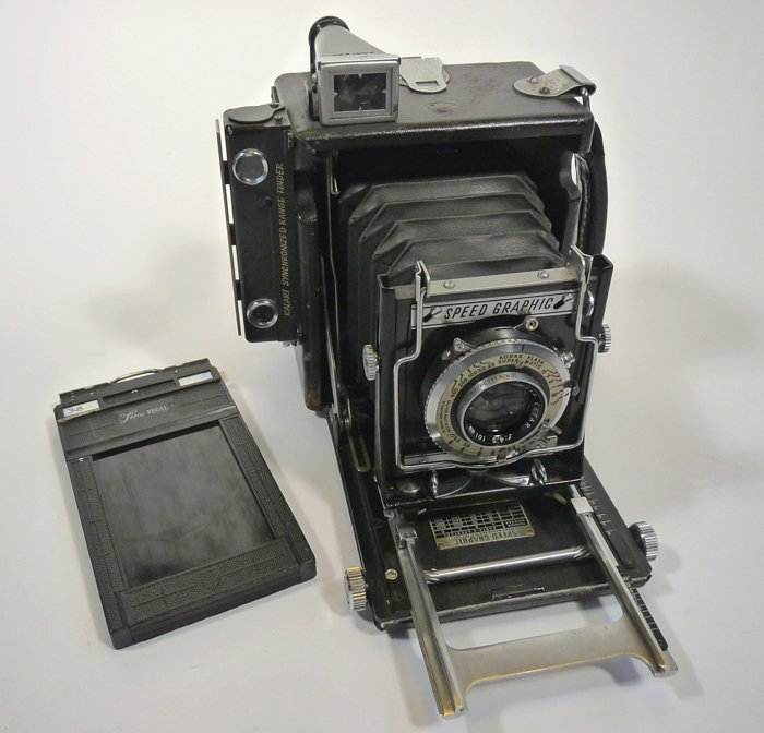 Photo of a Speed Graphic press film camera