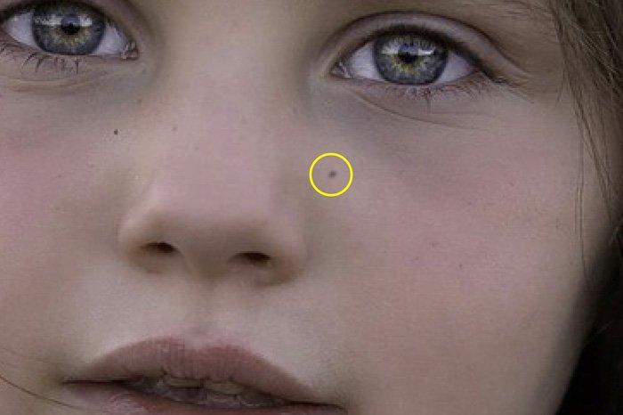 Screenshot of Lightroom drawing freckles