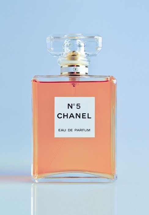 Close-up photo of parfume Chanel No. 5