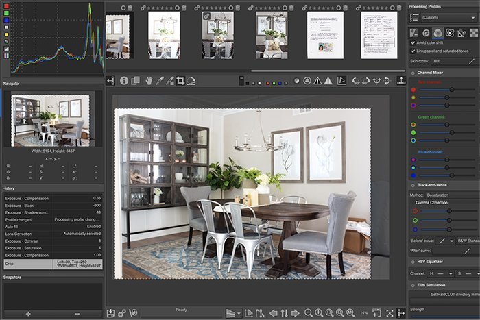 Screenshot of RawTherapee interface