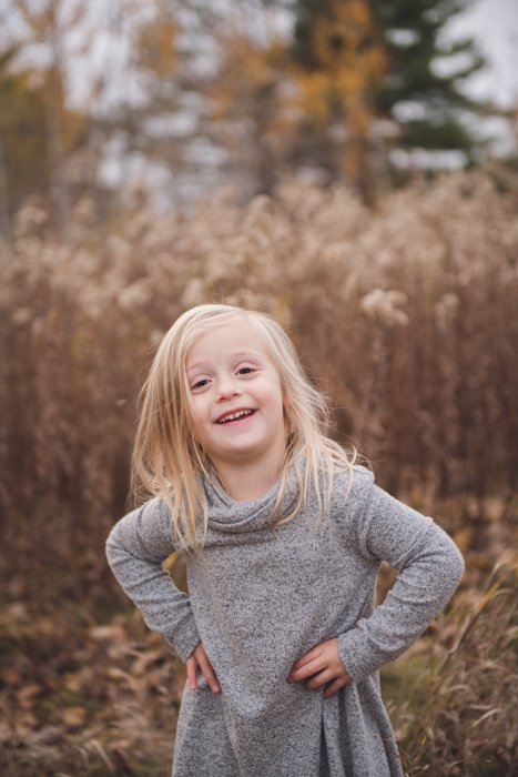 Portrait photo of a little girl outdoors