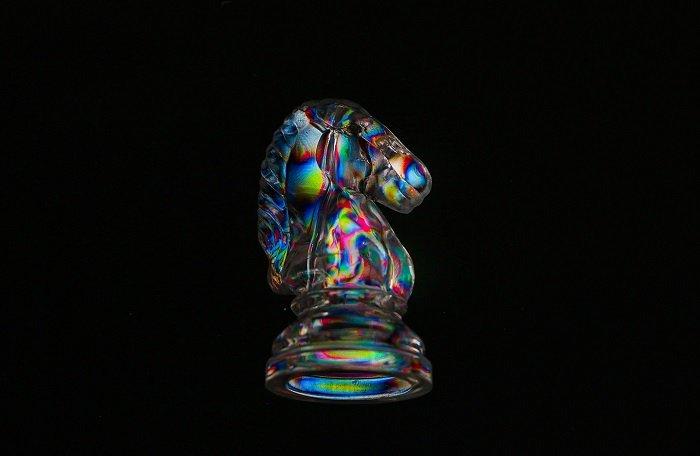 Photoelasticity chess piece