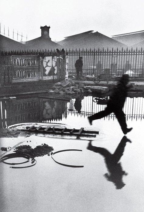 Behind the Gare Saint-Lazare, 1932. Photo by Henri Cartier-Bresson