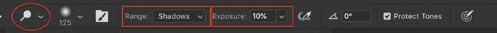 Screenshot of selecting dodge tool in Photoshop