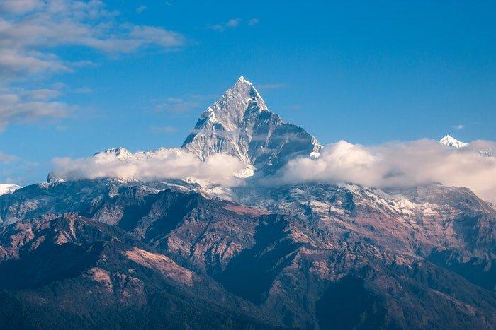 A cloudy mountain scene