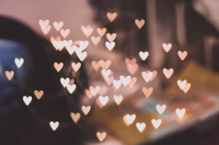 heart shaped bokeh lights made with a diy photography filter