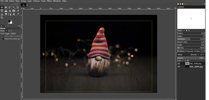 screenshot showing how to paste an image into another in gimp