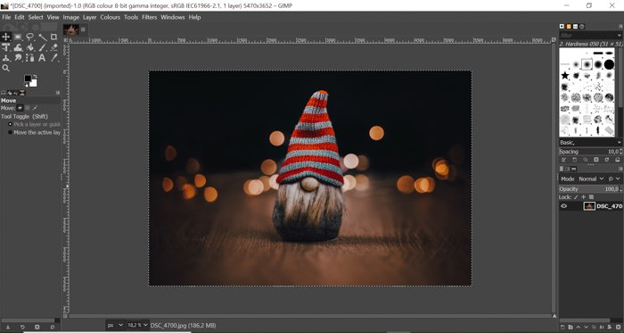 screenshot showing how to cut out an image- open photo